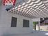 Lona pergola modelo pared rayada gris y blanca